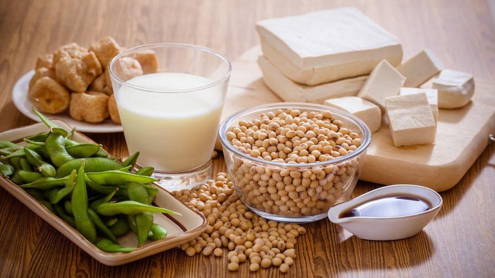 Är det en bra idé att äta mer tofu och sojabönor när klimakteriet är i antågande?