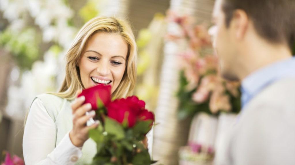 Att ge bort och få blommor är nog den mest uppskattade gåvan.