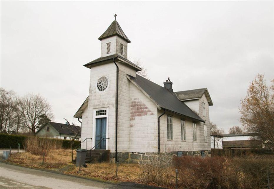Nu har du chansen att köpa en kyrka till riktigt pangpris.