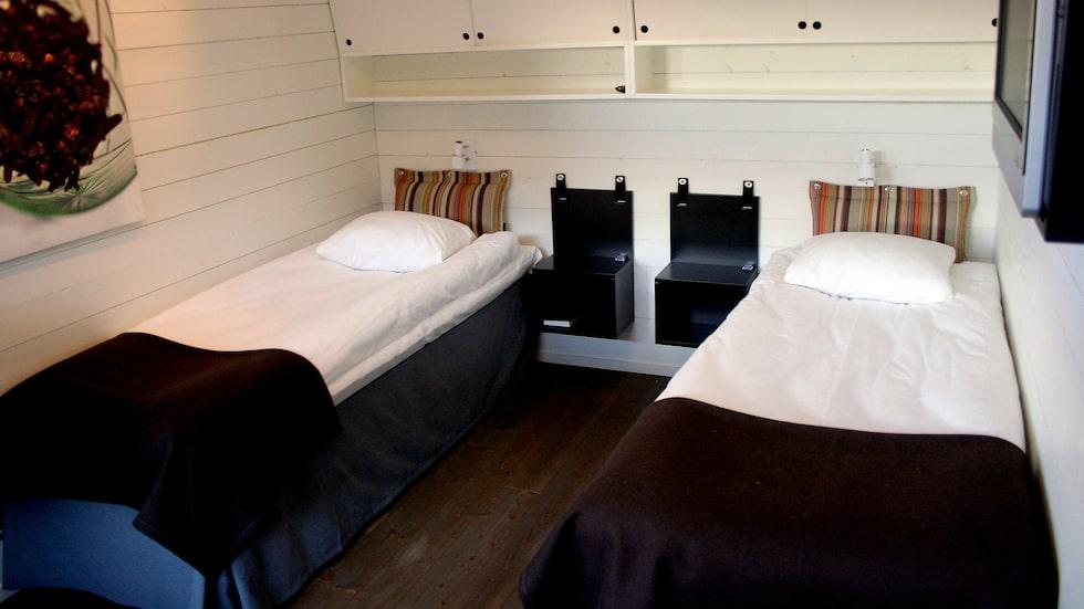 Ett dubbelrum – eller ska man säga hytt? – på det flytande hotellet Salt & Sill.