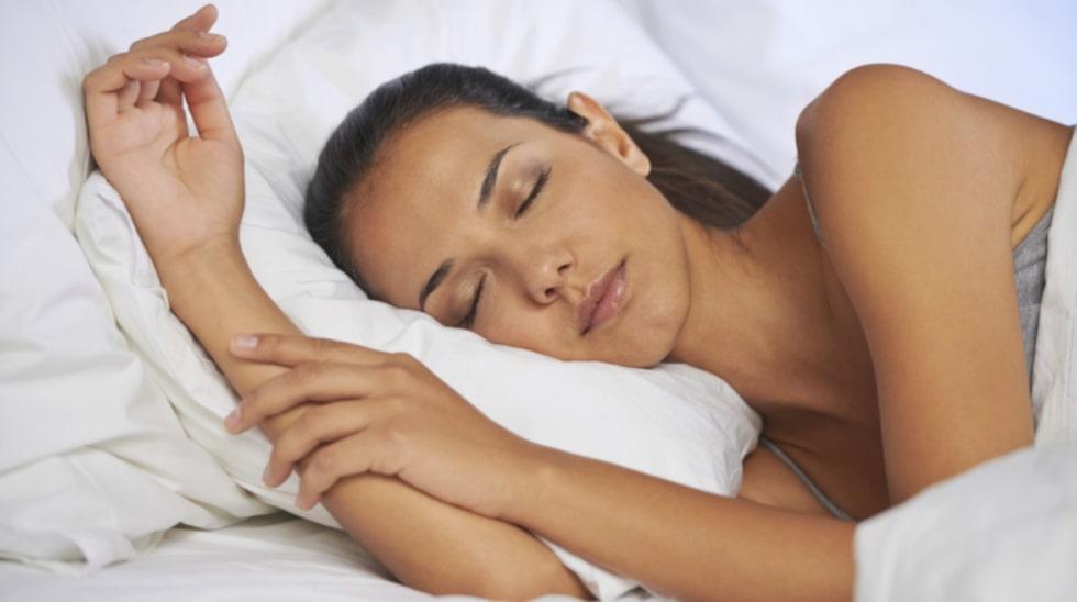 Brist på sömn drabbar kvinnor hårdare än män enligt forskarna.