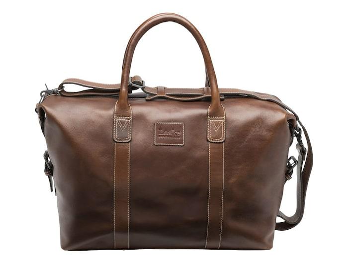Väskan från Loake – en klassiker med tyngd.