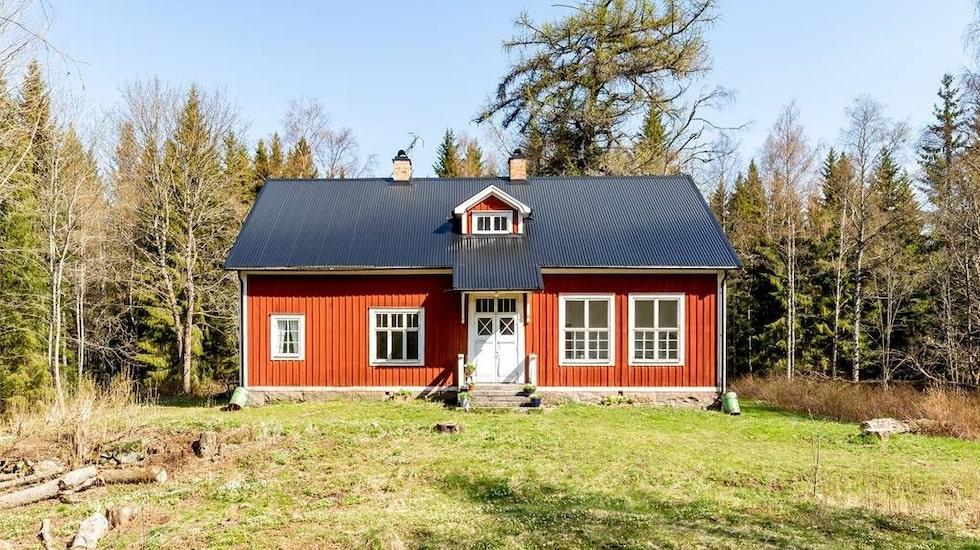 Stora Morens skola utanför Smedjebacken är till salu.