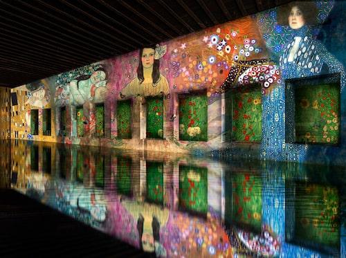 Konstverken kommer att spegla sig i de vattenfyllda bassängerna.