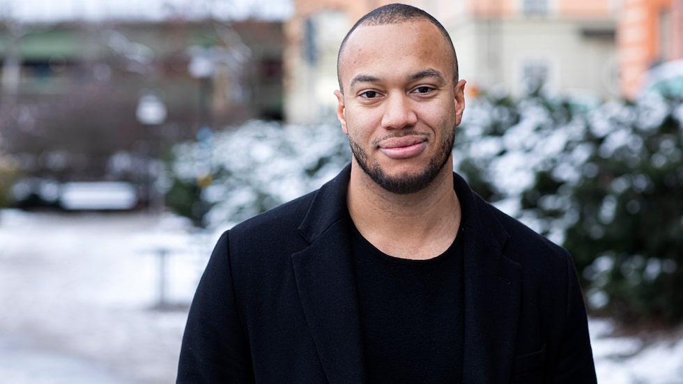 Jonas Evander drabbades av en extrem mörkerrädsla i 20-årsåldern. I dag är han legitimerad psykolog med kbt-inriktning och hjälper andra med fobier.