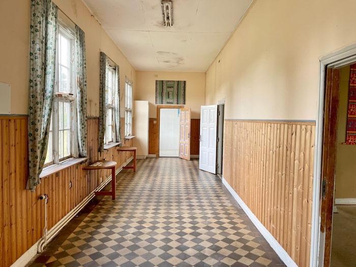 Den klassiska skolkorridoren.