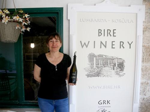 Visnja Milina på Bire Winery, Korcula.