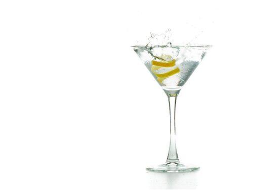 Vesper Martini är Bonds egna påfund från filmen och boken Casino Royale