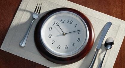 UDDA TIDER. Den som jobbar natt bör tänka på att äta lite lättare, tipsar Anna Ottosson.
