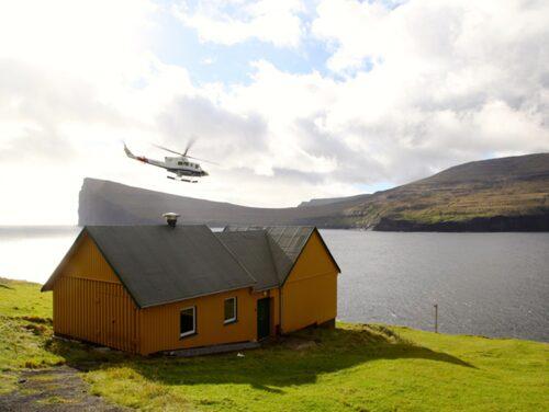 Man kan aldrig vara säker på att helikoptrar och båtar kommer och går enligt tidtabell, så ett tips är att hålla koll på väderrapporter och uppdaterade turlistor.