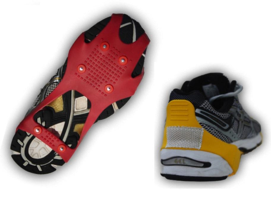 Färgglada halkskydd med reflexer till jogging- eller vinterskor. Sex extra broddar medföljer. Storlek M-L, 195 kronor på Designtorget.