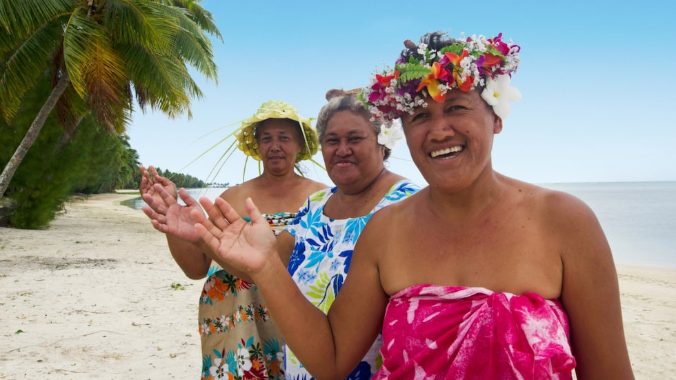 Polynesiska kvinnor på Aitutaki.