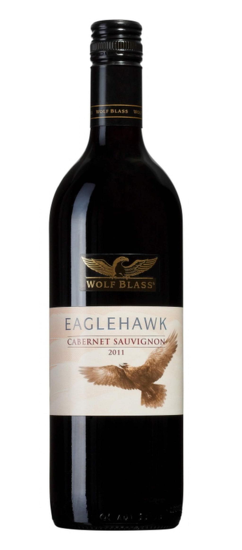 """Rött<br><exp:icon type=""""wasp""""></exp:icon><exp:icon type=""""wasp""""></exp:icon><exp:icon type=""""wasp""""></exp:icon><br><strong>Wolf Blass Eaglehawk Cabernet Sauvignon 2013 (6338) South Eastern Australia, 69 kr</strong><br>Mjukt och okomplicerat med toner av vinbär och eukalyptus. Gott till en buffé med många smaker."""