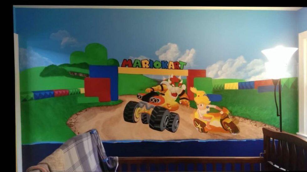 Så här ser en av väggarna ut i barnrummet som målats som en Super Mario-värld.