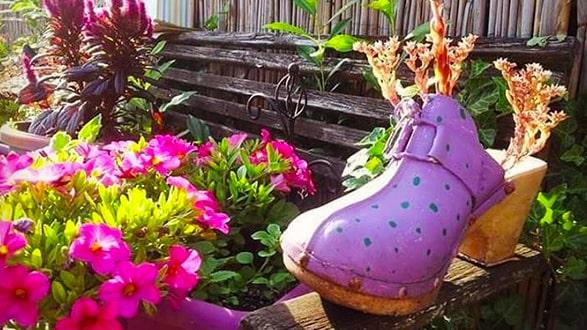 Vem vill inte ha en vacker och personlig trädgård? Och det behöver inte vara varken svårt eller kosta något extra...