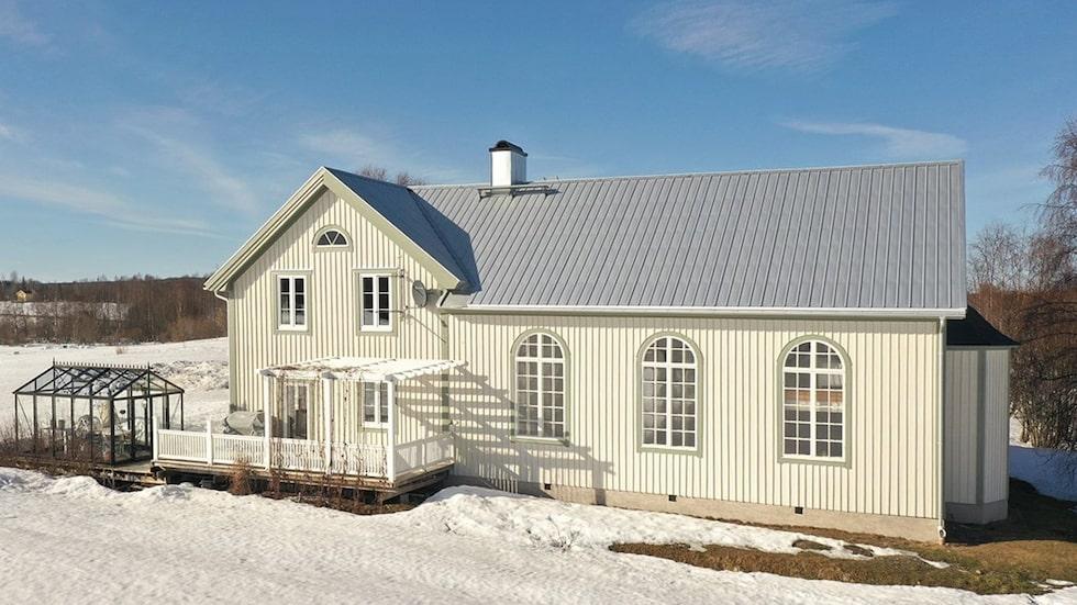 Det här fina missionshuset från 1937 är till salu.
