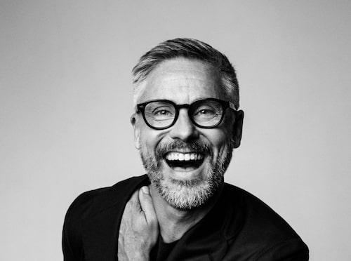 Johan Hellström är frisör och ägare av Björn Axén.