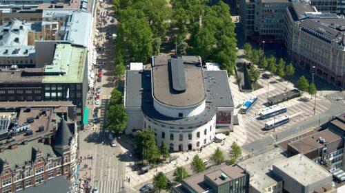 Svenska Teatern betyder mycket för Linda.