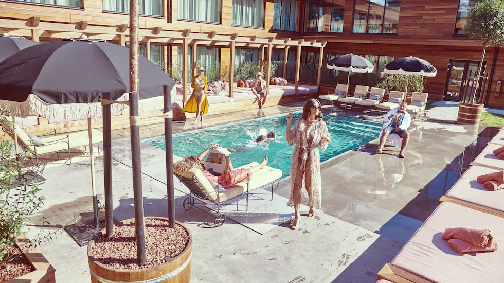 Svemester vid poolen, anyone?