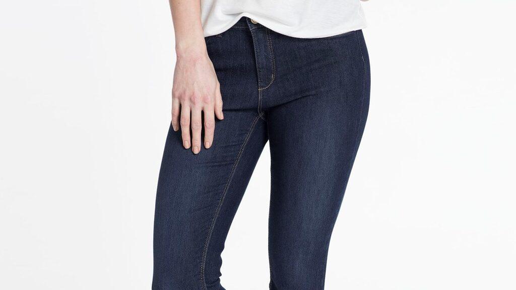 Ankellängd.  Jeans Hampton Republic 27, slimfit i ankellängd med rakare ben och dragkedja i benslutet. Normal midja och stretchig kvalitet, 499 kronor, Kapp-Ahl.