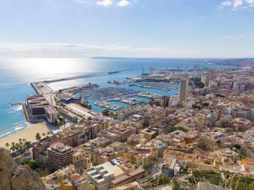 I den lilla storstaden Alicante kan man enkelt ta sig runt till fots.