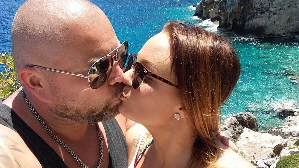 Mattias och Elin träffades i oktober i en facebookgrupp.