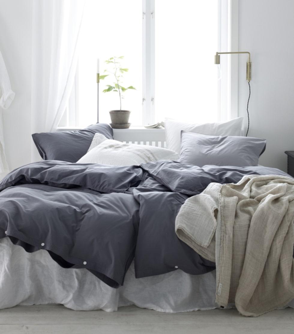 Skandinaviskt. Mjuk färgskala på säng- textilier från Ellos.