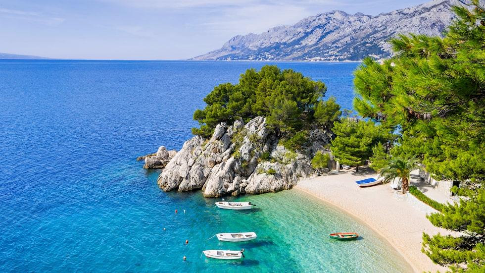 Punta Rata Beach på Makarska rivieran, en av Kroatiens mest kända vyer.