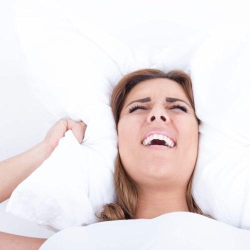 Buller och slag mot golvet gjorde det omöjligt att sova
