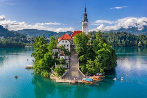 Bledön, den enda naturliga ön i hela Slovenien.