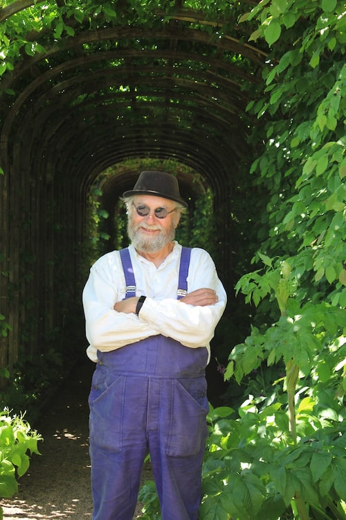 Trädgårdsmästaren på Läckö slott Simon Irvine samarbetar med kockarna på Hvita Hjorten.