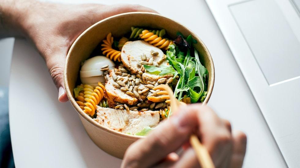 Om du kombinerar med rätt mängd protein och grönsaker och väljer nyttiga fetter, har du en alldeles utmärkt måltid.