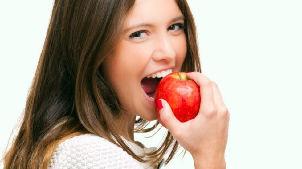 Äpplen kan faktiskt hjälpa mot halsbränna –men välj de sötare varianterna.