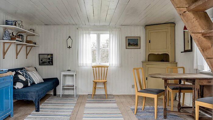 Gäststugan är på 20 kvadratmeter och är utrustat med kök.