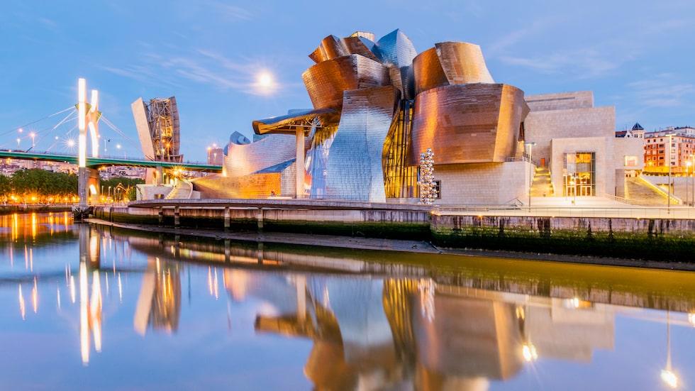 Guggenheimmuseet lockar konstälskare från hela världen till Bilbao.