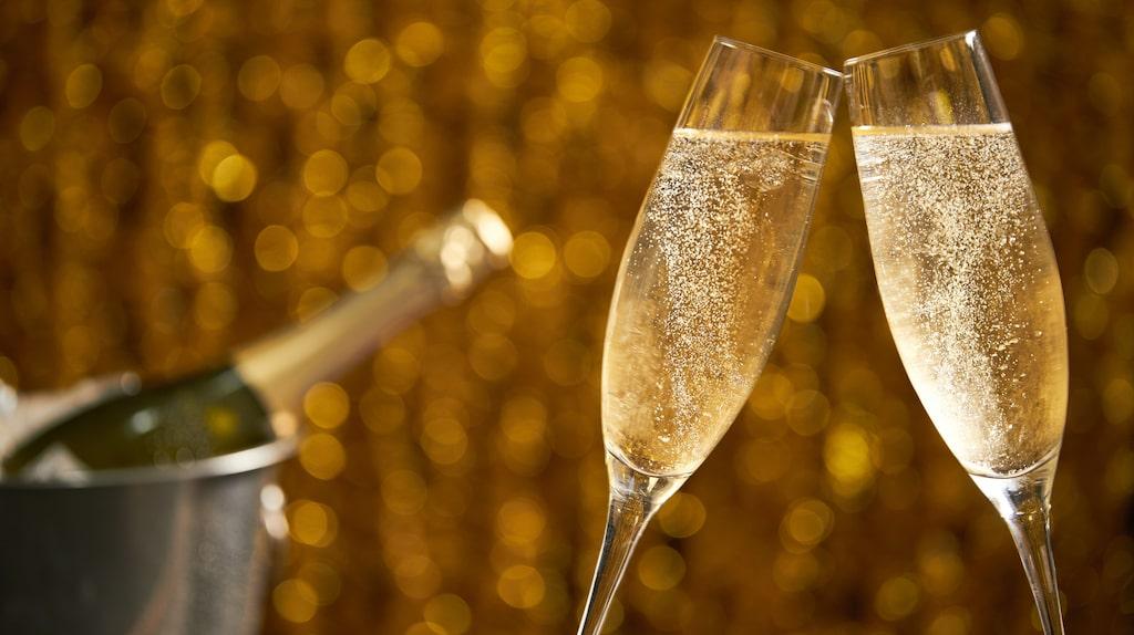 Prosecco är världens mest sålda bubbel. Här tipsar experten om bästa flaskorna på Systembolaget.