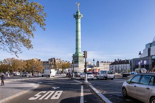 Här sägs franska revolutionen ha startat den 14 juli 1789 när arbetare attackerade fästningen Bastiljen som låg här tidigare.