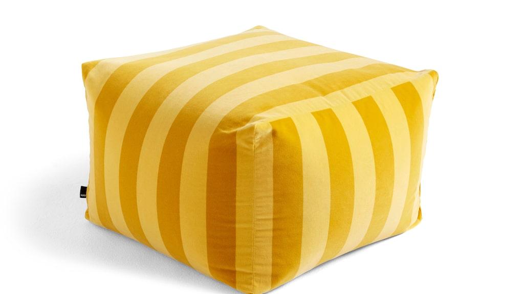Sittpuff Pouf Soft Stripe, 2 499 kronor, Hay.