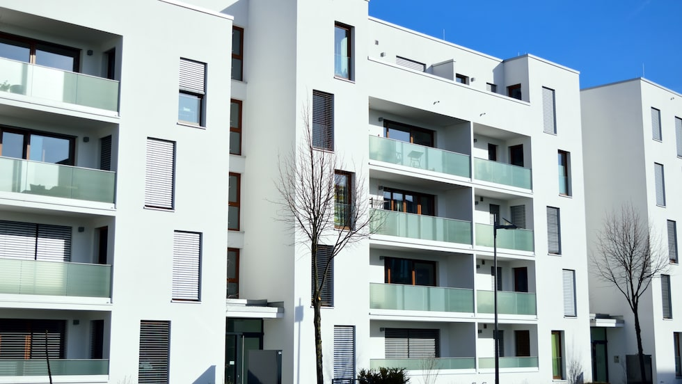 Enligt Visit Stockholm har uthyrningen av lägenheter i Stockholm nästan fördubblats och i maj fanns 70 procent fler objekt till uthyrning jämfört med samma månad förra året.