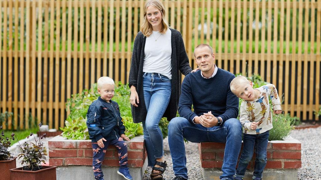 Här är familjen i Nässjö innan de fått sitt tredje barn.