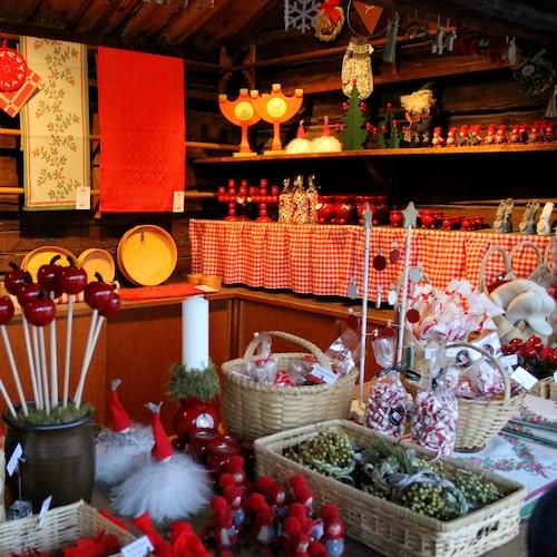 Julmarknaden på Skansen är kanske den mest klassiska. Här finns det mycket för hela familjen.
