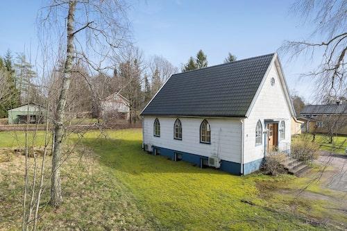 Den charmiga lilla missionskyrkan kan förvandlas till en bostad.