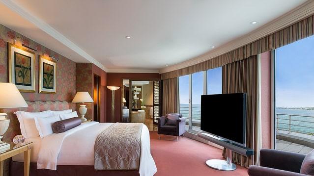 Det kostar 670 000 kronor om dygnet för att bo i världens dyraste hotellsvit.