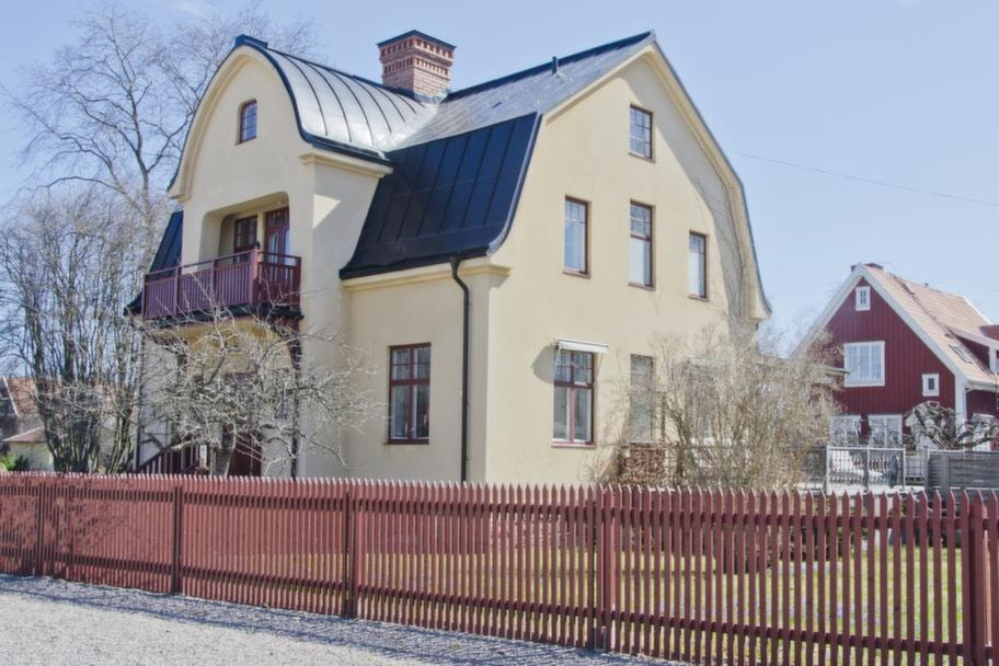 Efter några års renovering är Villa Solgård åter igen en praktfull patriciervilla.