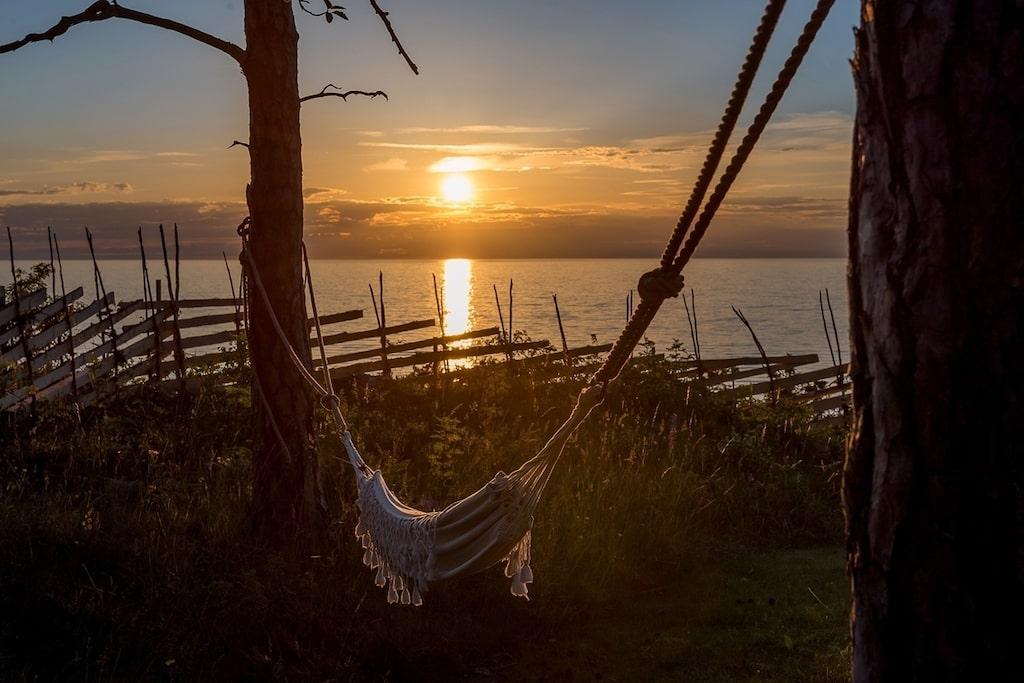 Att ligga här i hängmattan och titta på solnedgången vore inte helt fel.