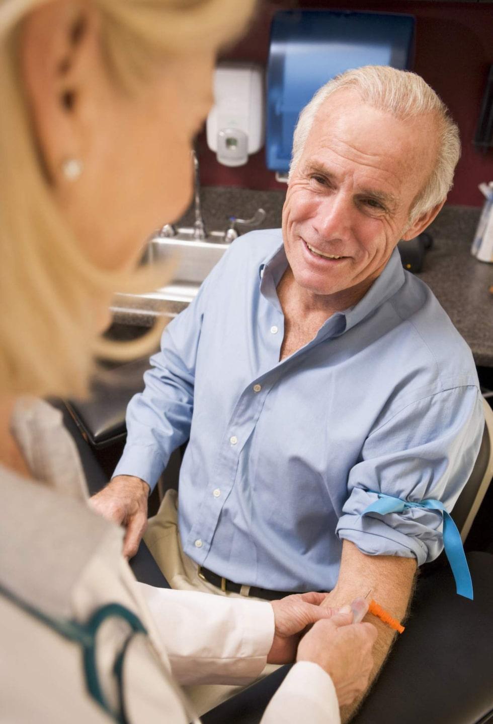 <p><strong>Enkelt blodprov.</strong> Det nya svenska testet upptäcker prostacancer tidigare och säkrare än tidigare tester.</p>