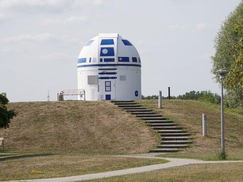 Efter ommålningen har observatoriet blivit en turistattraktion.