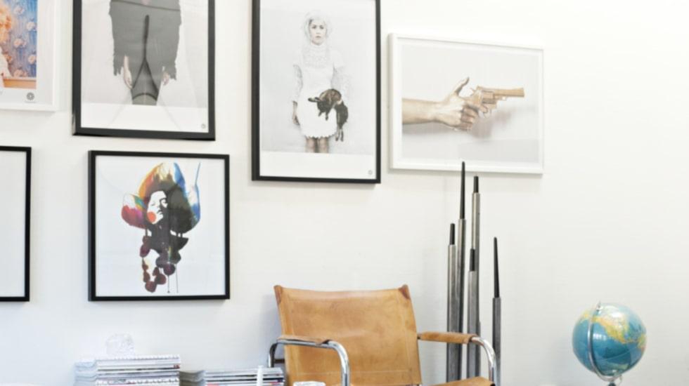 Fotokonst och grafiska motiv hemma hos entreprenören Charlotte Josefsson i Linköping.