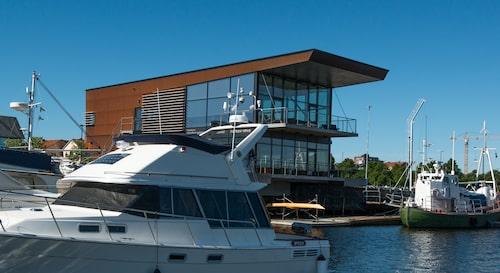 Dockside i den marina Gästhamnen med restaurang Rost & Vin.