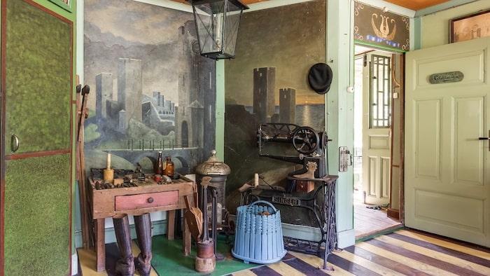 Före detta ägarens gamla arbetsrum.